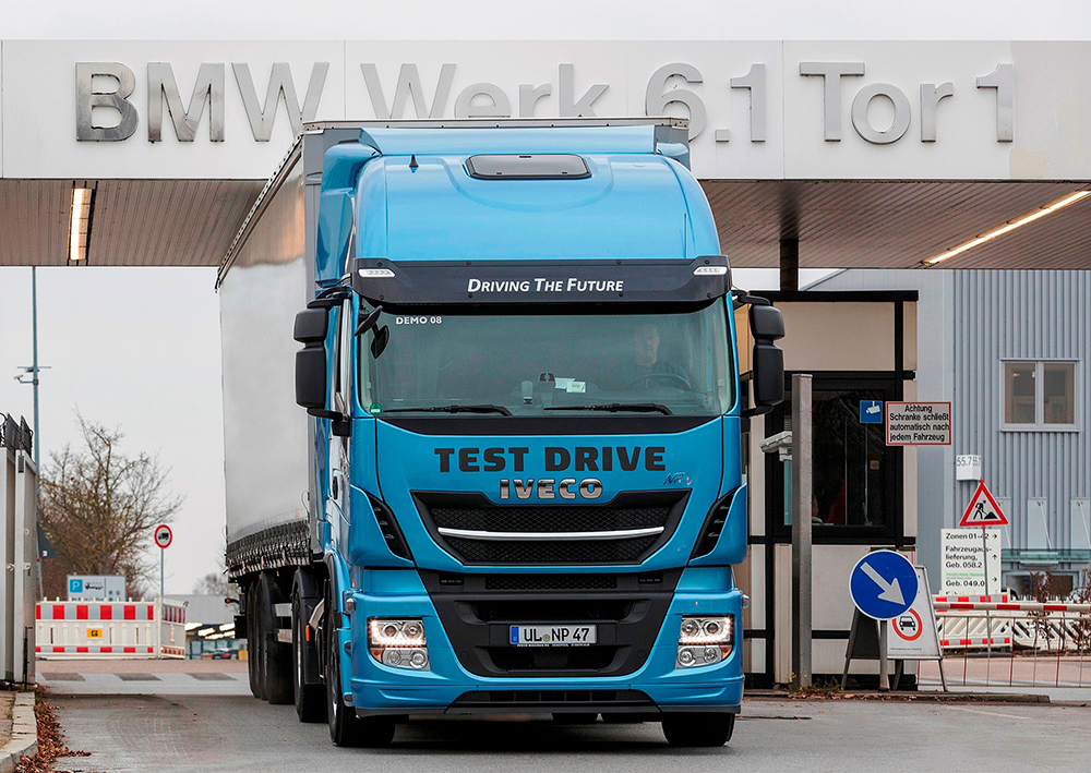 1-IVECO-Stralis-NP_BMW-Group-test.jpg